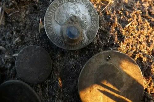 Поиск монет с помощью металлоискателя