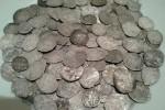 фото, клад чешуек, серебряные монеты