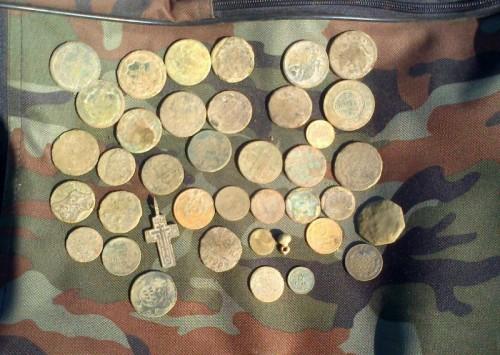 Находки кладоискателей, монеты (фото)