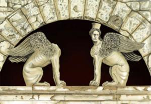 Статуи сфинксов
