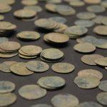 Клад из средневековых серебряных монет обнаружен в Дании