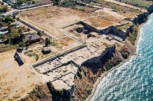 Земля древних памятниуов истории